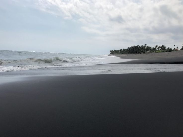 Pantai Seseh // Bali Beach // Black Sand // Paradise on Earth