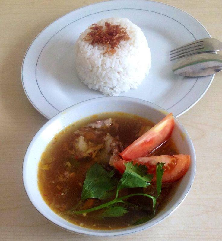 Nasi Pindang Tulang (Pindang Bone Rice) ... Suegeeerrr rek maknyoss!!