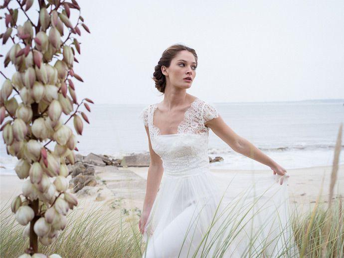 Les robes de mariée de Confidentiel Création   Modèle: Chloe   Crédits: Lili Renée   Donne-moi ta main - Blog mariage