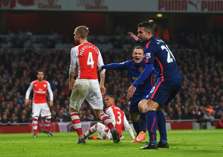 Arsenal 1 Man Utd 2 in Nov 2014 at the Emirates Stadium. Wayne Rooney scores United's 2nd goal on 85 minutes #Prem
