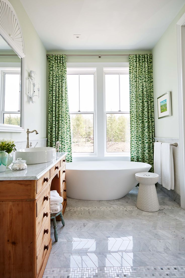 Custom drapery in the bathroom - Sarah Richardson - Sarah off the Grid - HGTV