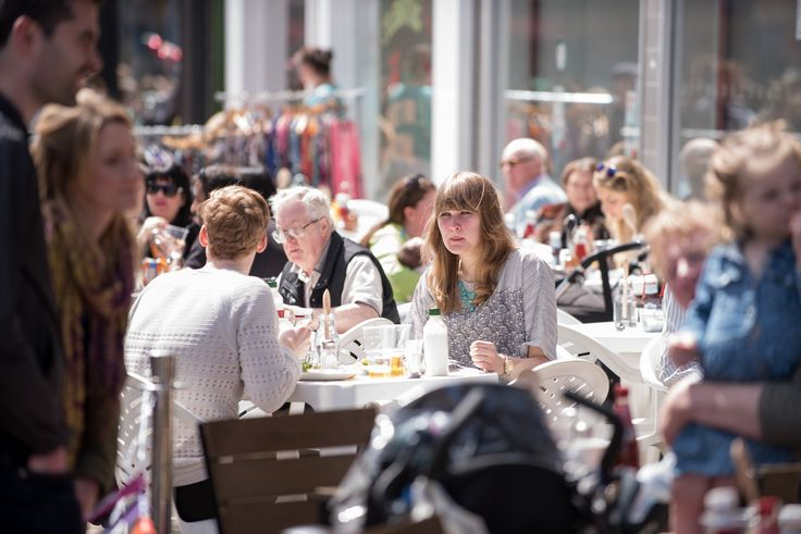 Al fresco dining in Glasgow's west end #WEF2015 Credit John Linton Photography