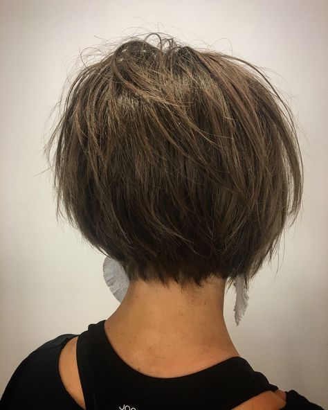 razored bob, textured bob, short hair Fresh cut from my girl emily_yvonne_ RAZOR CUT #texturedbob #razorcut #shearcraft #cutcraft #wella #wellalife #wellahair #wellaeducation #randco #mannequinpaste #texture #randcoobsessed #behindthechair #modernsalon #craft #pushyourselfharder #passion