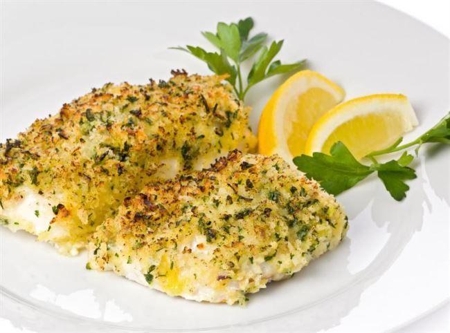 Sesam-panerad torsk med wokade grönsaker och citron Kcal: 423/portion, Recept 2 portioner: 250g Torsk 1 ägg  0,5 dl (skalade och torkade) sesamfrö 0,5 dl bovetemjöl ljust En halv citron  **WOK:  1 paprika röd Ett halvt blomkålshuvud 1-2 morötter 1 msk olivolja 0,5 dl turkisk yoghurt