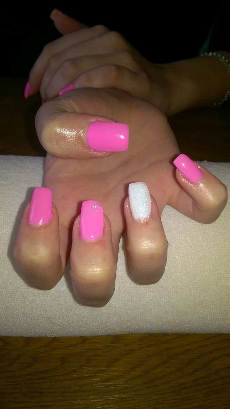 pink gel, white gel and white glitter