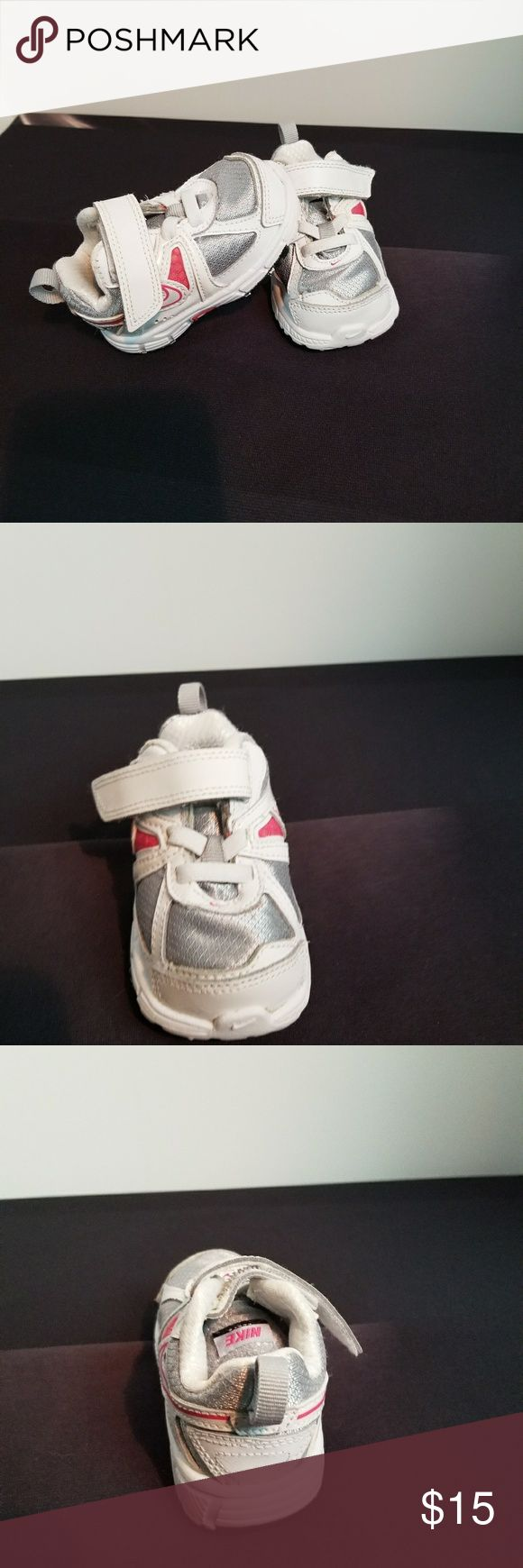 🌸Just Listed🌸Baby Girl Nike Shoes Size: 3C 🌸Velcro 🌸No box included  🌸UPC: 00826220955650 🌸Pre-owned but in great condition Nike Shoes Baby & Walker