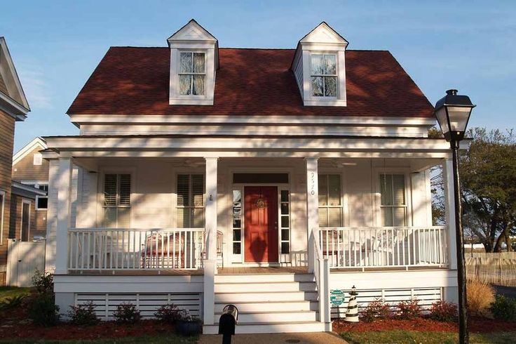Cottage Style House Plan - 4 Beds 3 Baths 1970 Sq/Ft Plan #464-13 Exterior - Front Elevation - Houseplans.com