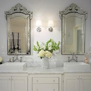 Dual sinks and dual mirrors, but odd light placement. Hall Bath Pinterest Vanity units ...