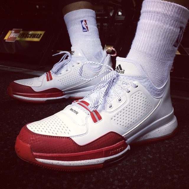 new style 99422 516ca The adidas D Lillard 1 Surfaces in a Home Colorway  adidas Basketball   Adidas, Sneakers nike, Sneakers