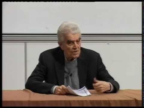 René Girard, philosophe et historien des religions, est mort mercredi 4 novembre 2015, à Stanford, aux Etats-Unis. Il avait 91 ans. ARCHIVE / Découvrez sa co...