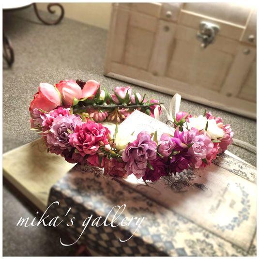 ハンドメイドマーケット minne(ミンネ)| ラナンキュラスの花冠 ピンク×パープルのグラデーション【sak***様オーダー作品】 海外ウェディングにも