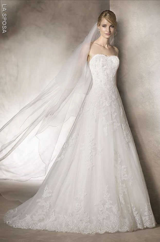 20 best La Sposa images on Pinterest | Wedding frocks, Wedding dress ...