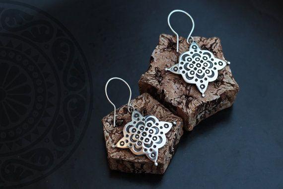 Arabesque silver earrings