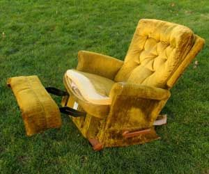If you want your old furniture removed quickly and easily, give us a shout at 604-587-5865