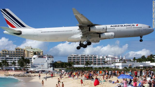 No Photoshop...crazy/tricky airport for landing in St. Maarten...interesting perspective.: Globe Capturing, Stunning Photos, Low Flying, Flying Aircraft, 747 Pilot, Beach Vacations, Beautiful Beach, Caribbean Islands