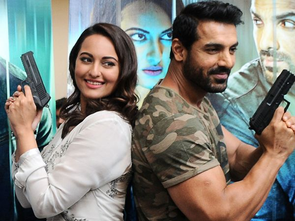 Sonakshi Sinha has a warning for John Abraham! DETAIL HERE…