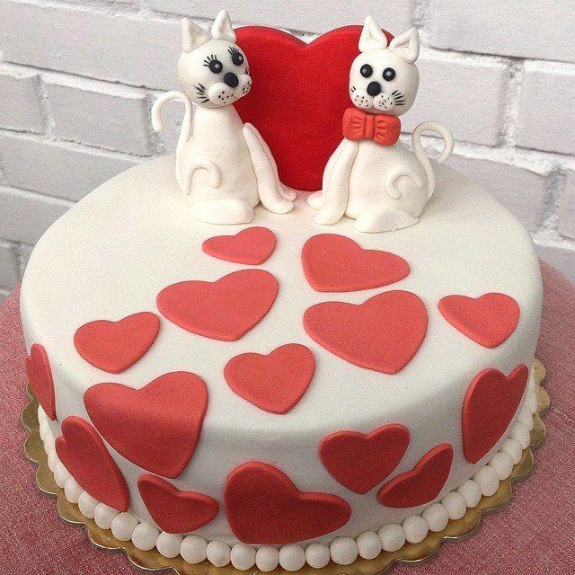Pink and white fondant wedding cake.  Cats. Hearts.  Свадебный торт из мастики. Кошки. Сердце
