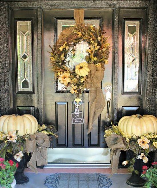 Wei e k rbisse kreative herbst dekoration eingangsbereich deko herbst - Dekoration eingangsbereich ...
