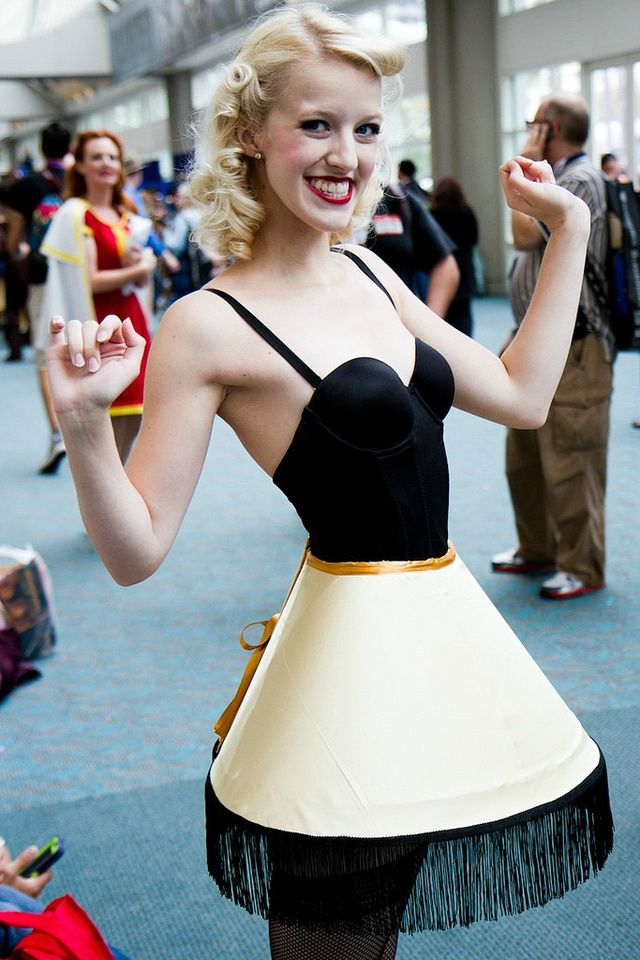 The LEG LAMP!! - The Most Creative and Sensational Cosplay From Comic-Con 2013