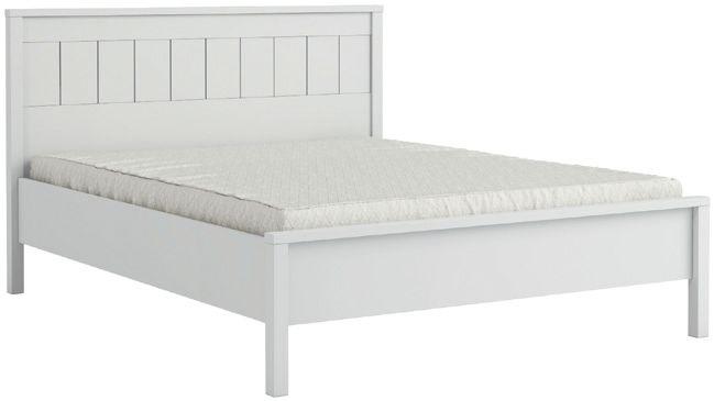 ŁÓŻKO VILLAGE P8SSVL14 - Wspaniałe, wygodne, romantyczne łóżko o wymiarach 140x200 cm Idealne i wygodne łóżko do Twojej sypialni! Duże i wygodne łóże z kolekcji Village doskonale sprawdzi się niemal w każdej sypialni, a zwłaszcza urządzonej w stylu klasycznym, angielskim i prowansalskim. Biały odcień mebla idealnie dopasuje się do wszelkich dodatków i detali, jakie wykorzystają Państwo przy kreowaniu wystroju swojej sypialni.