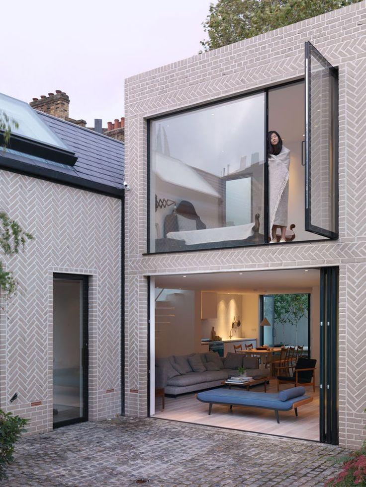 Vil man vise sig frem som arkitekt, er et godt trick at bygge sit eget spektakulære hjem.