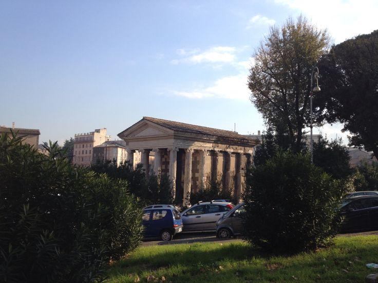 Random Roman temple. Can you name it?