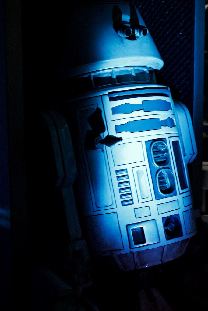 The New Star Tours hosts !!! to celebrate the 25th Anniversary of Disneyland Paris ! shared with pixbuf.com