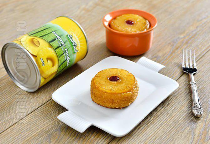 Reteta de mini prajituri cu ananas e extrem de simpla si usor de preparat. Nici nu aveti neaparata nevoie de un mixer, puteti s-o faceti cu un tel sau chiar cu o spatula.