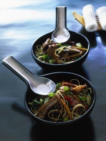 Szechuaanse entrecote met noedels - Recepten - Eten - ELLE | ELLE