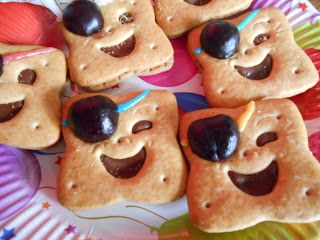 Madhouse Family Reviews !: Our kitchen is being taken over with fairy and pirate food ! #haveacraftparty