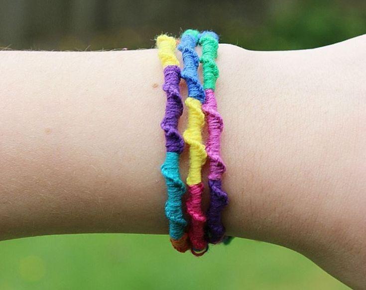 Muster für Freundschaftsarmbänder – 14 DIY-Tutorials für zu Hause oder unterwegs   – Cool Ideas