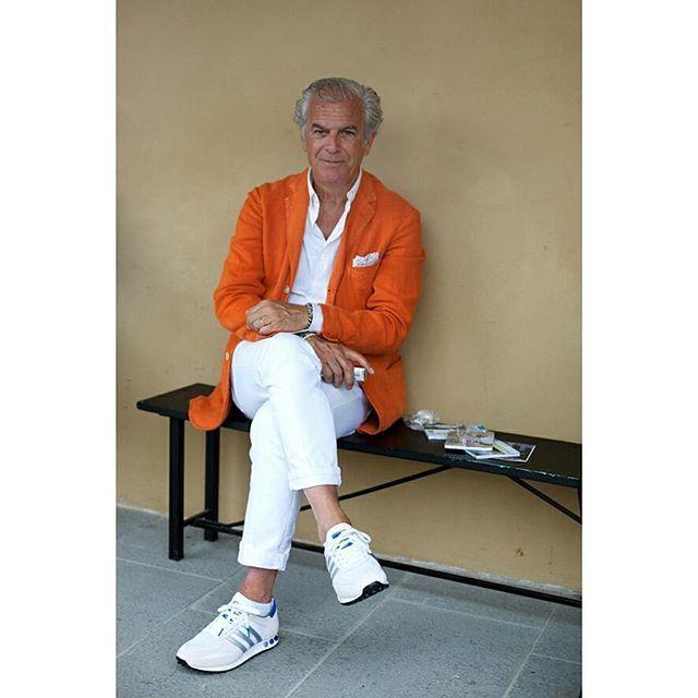 • orange • #workthathing #thesartorialist #orangeisthenewblack #coolforthesummer #likeaboss #workoutfit #growingbolder #gentleman #dapper #comqueroupaeuvoutrabalhar #roupadetrabalho #branconoverão #cavalheiro #modamasculina