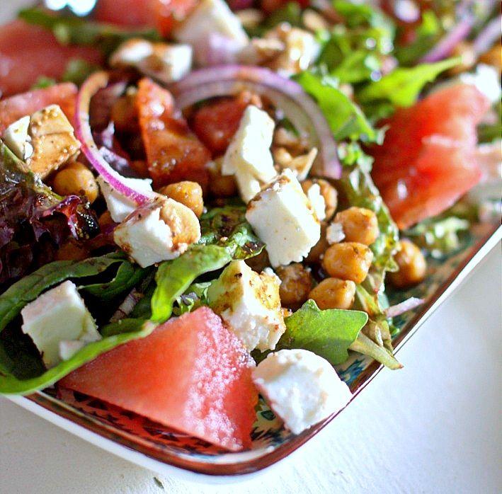 Sallad med vattenmelon, kikärtor och feta | matblogg - matmedmera.eu