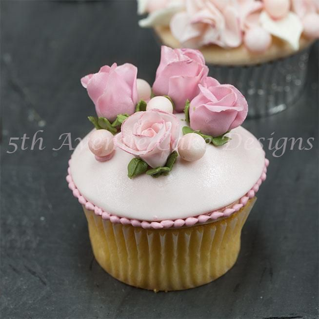 Rose cupcake by Craftsy member Bobbie's Baking