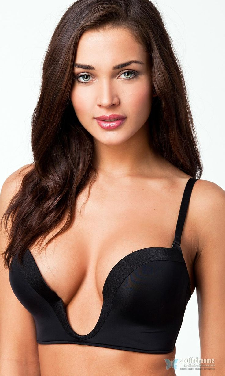 shocking-bikini-and-topless-pictures-of-model-actress-amy-jackson-40.jpg (960×1600)