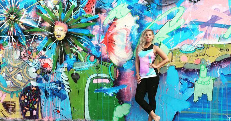 Bienvenidos a Miami! Hurikány, slavná Ocean Drive a graffiti ve Wynwoodu. I takto by se dal nazvat první díl nového cestovatelského seriálu, ve kterém vás Dominika Bártová bude provádět nejen po Spojených státech amerických a podělí se s vámi o osobní dojmy i zajímavé tipy, které v turistickém průvodci nenajdete.