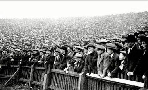 Massive crowd for the Bristol derby in 1930