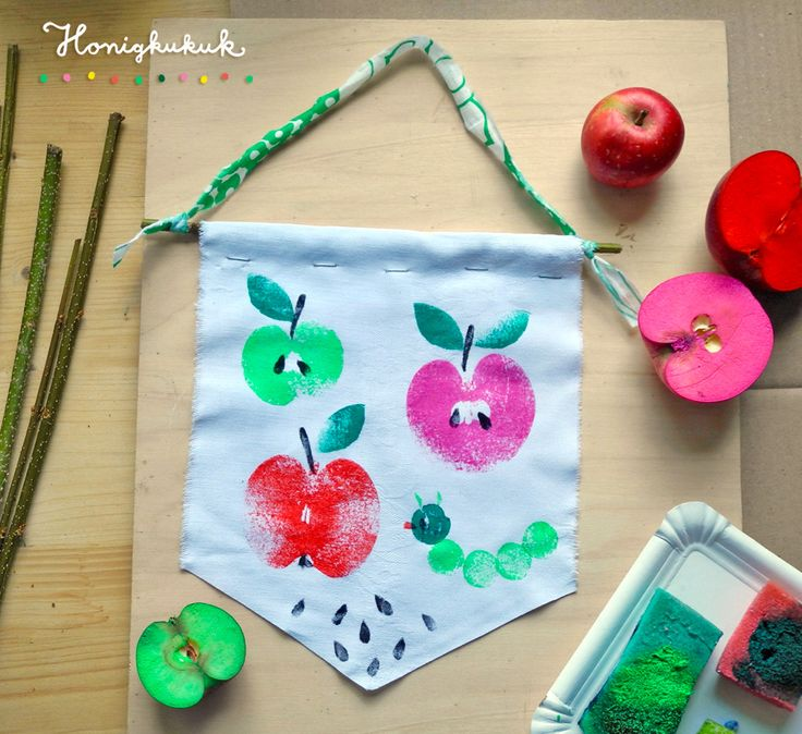 Pennants printed with apples
