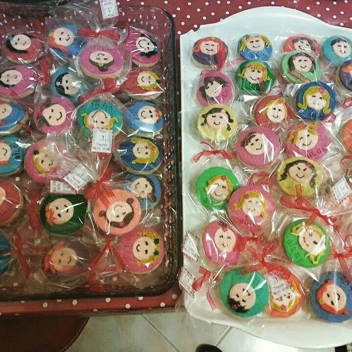 Kızımın . yaş  günü için şeker hamurundan yaptığım kurabiyelerim :)