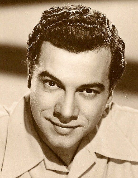MARIO LANZA, born Alfred Arnold Cocozza in Philadelphia, Pennsylvania, he was exposed to classical singing at an early age by his Abruzzese-Molisan Italian parents. His mother, Maria Lanza, was from Tocco da Casauria, a province of Pescara in the region of Abruzzo. His father, Antonio Cocozza, was from Filignano, a province of Isernia in the region of Molise.