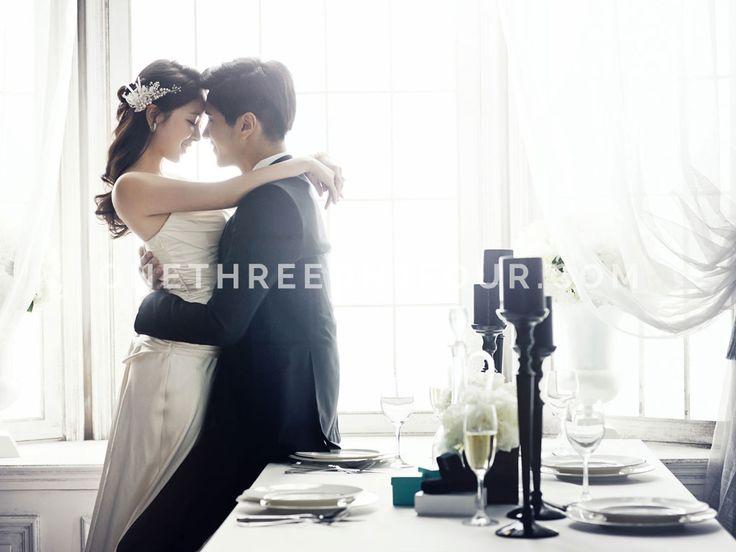 White | Korean Pre-wedding Photography by Pium Studio on OneThreeOneFour 23