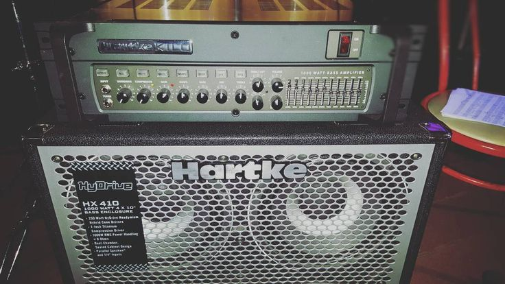 Vacilando este animal (1000W)!!! #Hartke #kilo #hydrive #1000w #bass #bassist #bassplayer #bassuniversity #basspro #bassporn #basspower #bassforward #bassplayersunited #bajo #baixo #fender #jazzbass #5strings #music #jazz #salsa #timba #latin #explosiónsalsera #gopro #gopromusic
