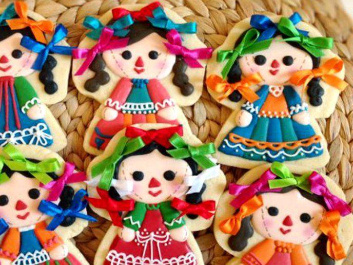 Disfruta de una noche mexicana única y diviértete preparándole a tus amigos, familia o pareja estas deliciosasgalletas decoradas para las fiestas patrias.Te compartimos 3 recetas para que puedas realizarlas: