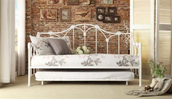 Julia Contemporary White Metal Daybed With Trundle