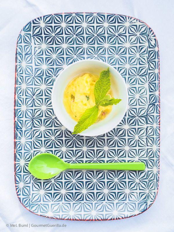 2-Minuten Ananas-Sorbet mit Rum und Minze. Ohne Eismaschine! |GourmetGuerilla.de