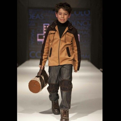 Chile Fashion Kids Catwalk. Manuel Salvador