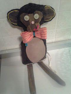 Una scimmietta da circo