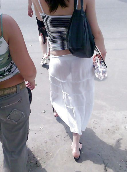 wear see through clothes likes a view of