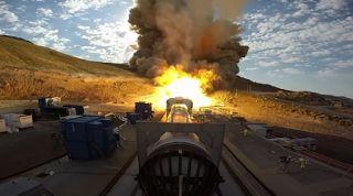 Planet Stars: Πέρασε τα τεστ ο σούπερ πύραυλος της NASA (Φωτό+Βί...