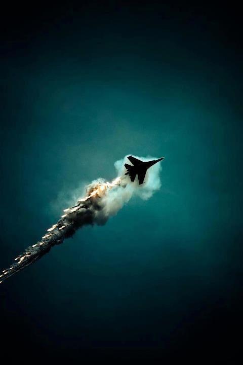 Jet breaking the sound barrier